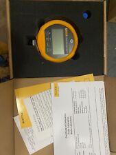 New listing Fluke pressure gauge 1000 Psi model 700G08