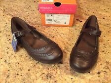 Shoes NWT $39.99 Brown Easy fasten Girls 4 Sonoma New