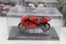 Modellino Moto Yamaha YZR-M1 Max Biaggi 2002 1/24