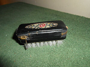VTG GENUINE AUSTRIA LEATHER FLORAL SEWING/MANICURE SET ZIPPER NAIL/LINT BRUSH