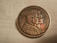 Krönungsthaler von 1861 als BROSCHE Wilhelm & Augusta von Preussen Silber