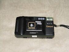 analoge Kleinbildkamera mit Blitz