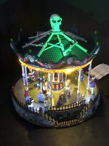 Rare 2013 Lemax Spooky Town Merry Scary Go Round Carousel Carnival Halloween