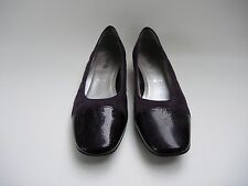 WOMENS SIZE 6.5 DEEP PURPLE LOW HEAL SHOES BY LUFTPOLSTER!