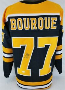 Ray Bourque Signed Boston Bruins Black Jersey (JSA) NHL Playing Career 1979–2001