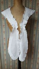 Fichu à la Marie Antoinette brodé main dentelle époque 19ème Réf 12078