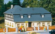 11385 Auhagen Ho Kit of House Mill Road 1 - Brand New