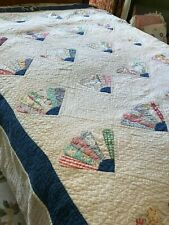"""Vintage 1930's 40's Hand Stitched Blue White Fan Quilt 90""""x 105"""" (A) CUTTER"""