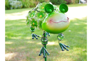 METAL GREEN FROG TOAD ON A STAKE GARDEN ORNAMENT HANGING LEGS FLOWERS UK SELLER