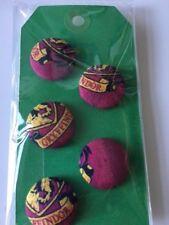 Set of 5 Harry Potter/Hogwarts Buttons/Badges 23mm diameter for Gryffindor House