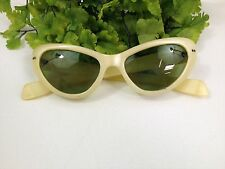 Vintage RETRO Cool Ray Poloroid YELLOW CAT EYE Sunglasses No. 120 GREEN LENS