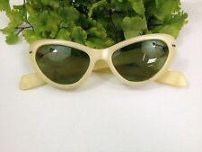 Vintage RETRO Cool Ray Poloroid YELLOW CAT EYE Sunglasses No. 120 GREEN LENS