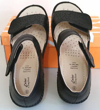 Velcro Block Medium (B, M) Sandals & Flip Flops for Women