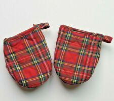 """/""""Winter Woods/"""" Oven Mitt by Michel Design Works with Red and Green Plaid NEW"""