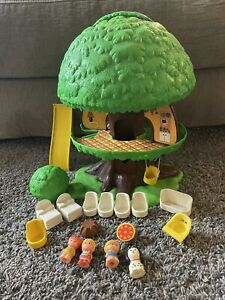 Vintage 1975 General Mills Kenner Tree Tots Family Tree House with Extras