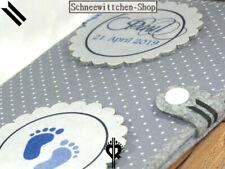 U-Heft Hülle Buttons mit Babyfüsse in grau und blau Impfpass