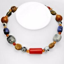 with Agates,Corals,Obsidians Pleasant Necklace