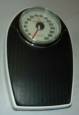 Vintage HEALTH O METER Professional Scales 300 lb Model 142 FREE Shipping
