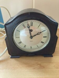 Smith Sectric Electric Mantle Clock Bakelite