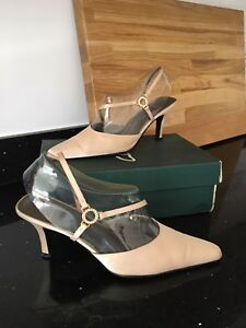 CLARKS Gold Shoes UK 7