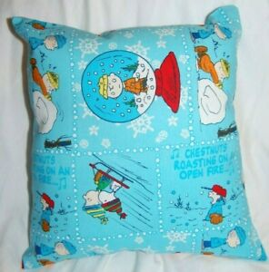 NEW HANDMADE CHARLIE BROWN PEANUTS SNOW GLOBE   HOLIDAY CHRISTMAS PILLOW