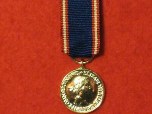 Miniature RVM Royal Victorian Medal with ribbon in mint condition
