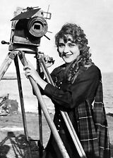 1916 Photo Mary Pickford with motion picture camera, on beach