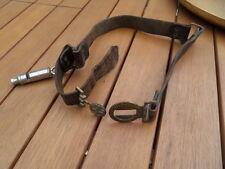 Ancien ceituron ceinture cuir et bronze cuivre ! SCOUT DE FRANCE sifflet HUTTE