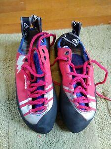 Evolv Luchador rock climbing shoes. Size 6 US / 38 EU. New