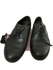 Fit Flop Ladies Leather Shoes With Laces And Tasels  Wide And Comfy Size 5