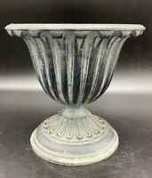 Vintage VM Virginia Metalcrafters Cast Iron Fluted Cache Pot Planter  Urn