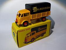 Camion Ford baché CALBERSON - ref 25JJ de dinky toys atlas