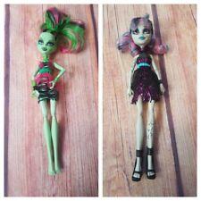 Monster High Zombie Shake Rochelle Goyle & Venus Mcflytrap Dolls