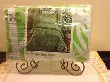 Vtg RETRO Wamsutta Bamboo print KING Flat Sheet Bright green white made in U.S.A