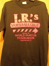 J R S Sports Bar Grille black graphic L t shirt Hottest Buns in town