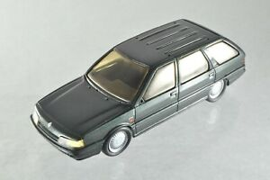 JQ256 DUVI 1:43 Renault 21 Nevada Break en résine A-/-