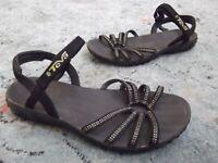 Teva Kayenta 6310 Womens 8M Black Strappy Comfort Sport Sandals