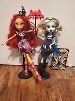 Monster High Freak Du Chic Lot Toralei & Frankie Dolls w Stands & Accessories