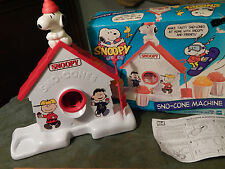 Snoopy & Friends *Sno-Cone Machine* w/ Box [1999] Hasbro (FREE SHIP.) Peanuts