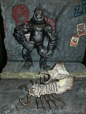 King Kong 8th Wonder of the World  Scorpio-Pede & Kong  figures 2005 Playmates