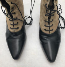Vtg Two tone ankle high taupe Suede + black leather heel lace up boots, Italy 7M