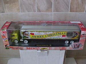 M2 Machines Moon Pie Merry Christmas Yellow 1960 Ford C-600 & 1949 Studebaker