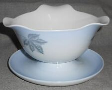 Bing and Grondahl FALLING LEAVES PATTERN Gravy Boat w/Underplate MADE IN DENMARK