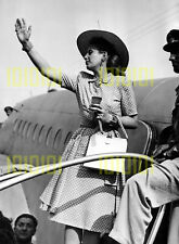 "Photo - Eva Peron, ""Evita"", leaving Milan in 1947"