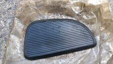 Honda CA175 CB125 CB175 CD125 CD175 LH Rubber Tank Knee Grip NOS 17622-246-020