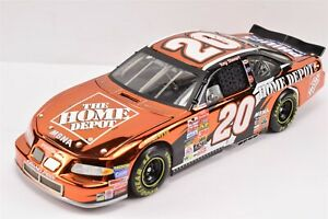 2002 Tony Stewart #20 Color Chrome Winston Cup Champion Elite 1/24 Diecast Car