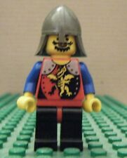 LEGO MINIFIG-CAST DRAG KNIGHTS–KNIGHT 2–RED, BLUE ARMS, BLK LEGS, DK GRY HELM GU