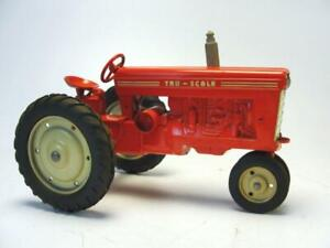 1950'S TRU SCALE CARTER DIECAST 1/16 INTERNATIONAL HARVESTER RED FARM TRACTOR