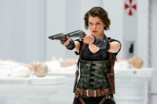 Milla Jovovich As Alice Resident Evil: Afterlife 11x17 Mini Poster Points 2 Guns