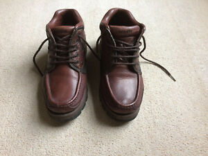 LACOSTE 'SKYE' LEATHER ANKLE BOOTS - UK Size 8 - Brown / Excellent / pre-owned